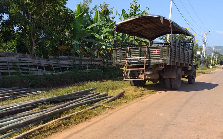 Tatmadaw Forces Karenni Villagers to Provide Building Materials For Army Camp